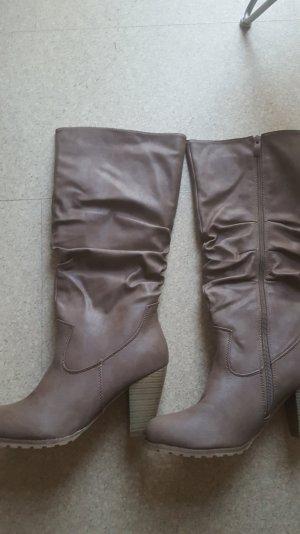 Schicke Stiefel von Jumex