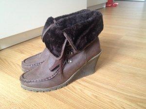 Schicke Stiefeletten mit Pelzbesatz (Boho Blogger Style)