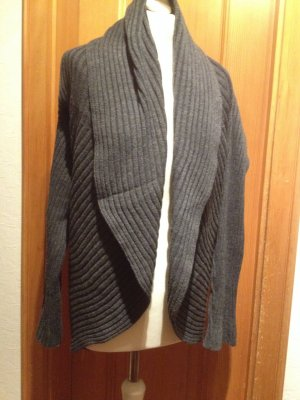 Schicke Strickjacke von Betty Barclay