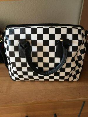 Schicke Tasche in Schwarz Weiß