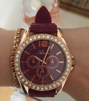 Schicke Uhr mit Gummiarmband
