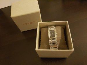 schicke Uhr von Esprit mit schwarzem Ziffernblatt