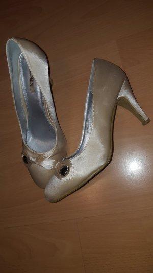 Schicke und festliche Schuhe
