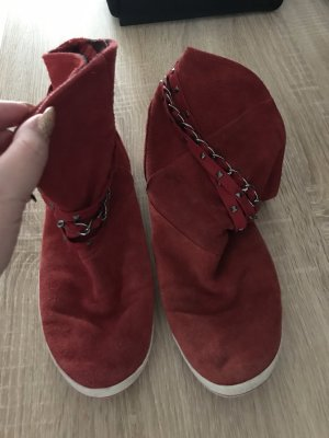 Venice Slip-on Booties red