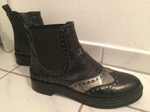 Schicke Zinda Boots