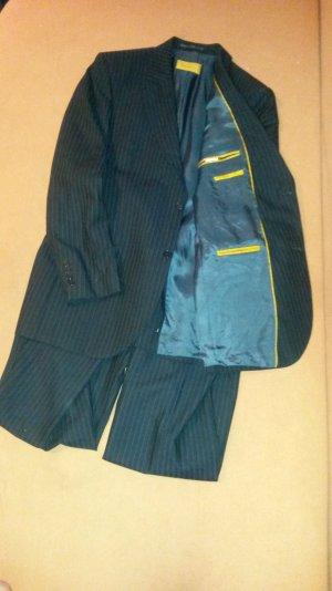 Schicker Anzug der Marke theo