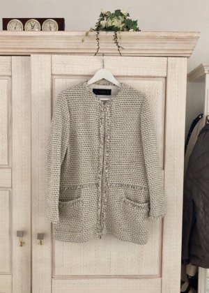 Schicker Bouclé Mantel von Zara