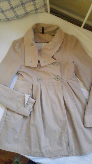 Schicker französischer Mantel