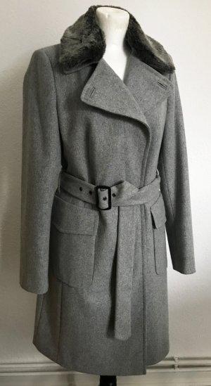 Schicker grauer Wintermantel mit Fake Fur