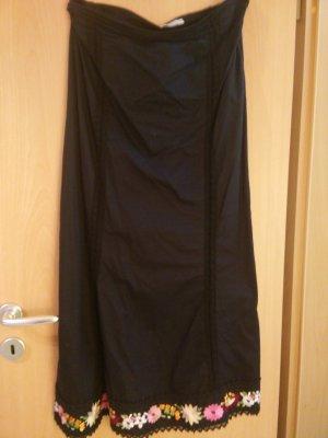 Schicker langer schwarzer Rock mit Blütenstickerei in Größe 36