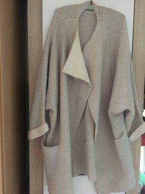 Schicker Mantel von Mango in beige