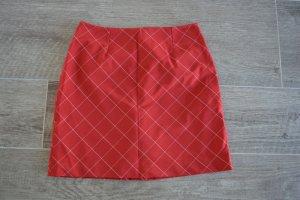 Schicker Minirock, rot mit weißen Karos, Größe 36