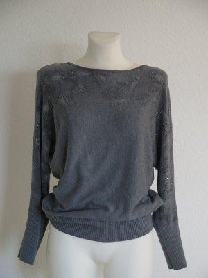 schicker Pullover in grau mit Strass Gr. 34