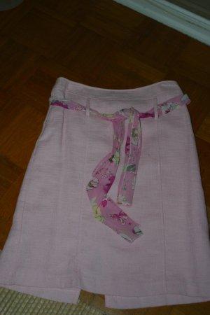 Schicker rosafarbene ZABAIONE Rock mit Stoffgürtel, Größe: 34