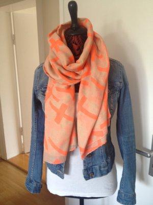 Schicker Schal im Boho Blogger Style