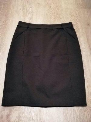 Schicker, schwarzer Bleistiftrock