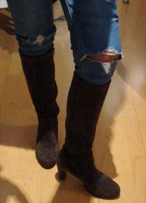 schicker Stiefel für Hosen und Röcke