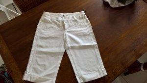 Schicker weißer Bermuda von Zara