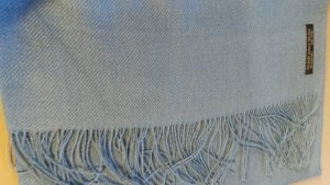schicker wunderschöner Schal aus Seide und Alpakawolle