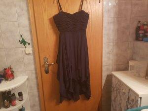 schickes Abendkleid in Dunkelblau