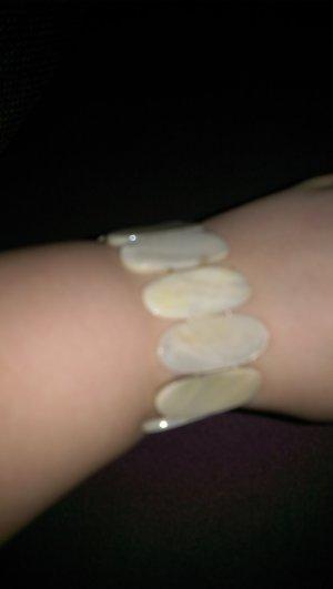 schickes armband ....