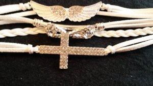schickes Armband  neu  in weiß mit 3 Anhänger  mit Strass Steine