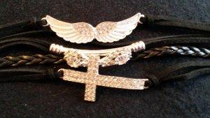 schickes Armband  neu   mit 3 Anhänger  mit Strass Steine