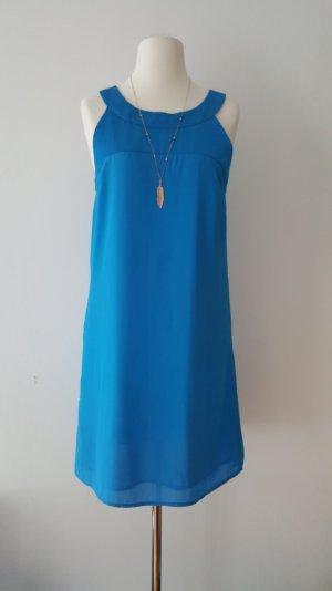 schickes blaues Sommerkleid