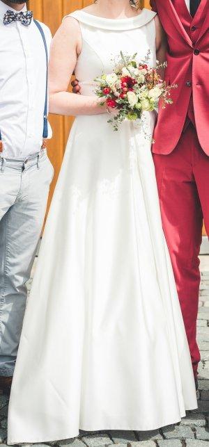 Schickes Brautkleid