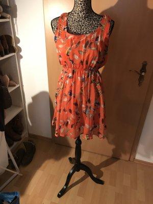 Schickes buntes Kleid