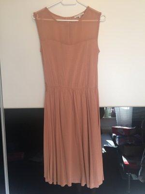 Schickes elegantes Kleid