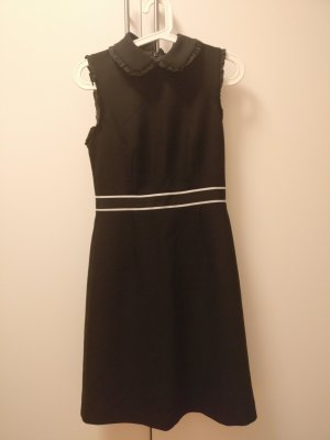 Schickes Etui Kleid, kleines Schwarzes hallhuber, Chanel chic
