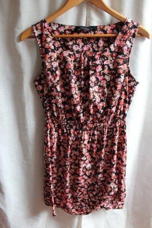 Schickes Etui Kleid von New Look
