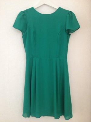 Schickes grünes Asos Kleid