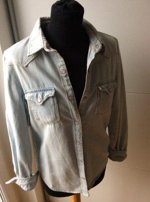 Schickes Helles jeanshemd von Mango