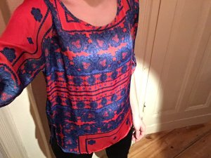 schickes Hemd in knalligem rot-blau Muster