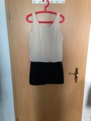Schickes Kleid in schwarz weiß
