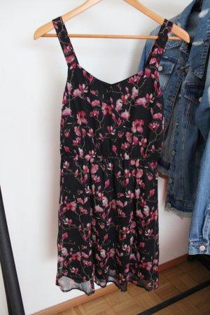 Vero Moda Robe chiffon noir-rose