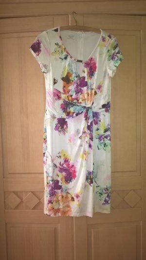 Schickes Kleid mit Blumenmustern