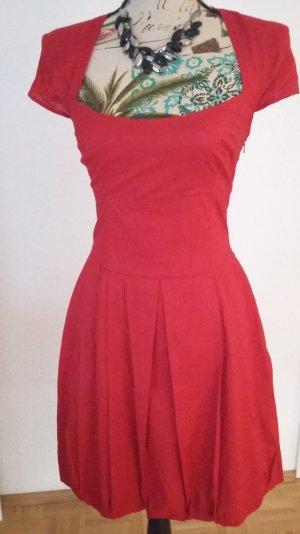 Schickes Kleid mit tollem Rückenausschnitt