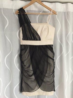 Schickes Kleid mit verschiedenen Tragemöglichkeiten