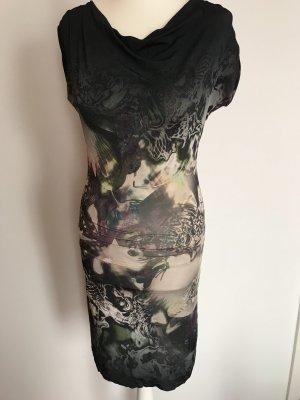 Schickes Kleid von Ana Alcazar