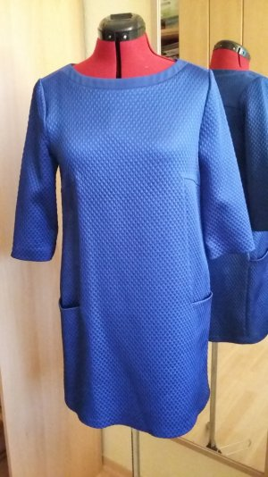 Schickes Kleid von Byblos