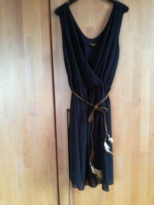 Schickes Kleid von Colloseum