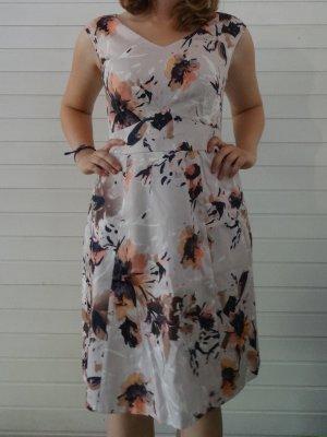 Schickes Kleid von Comma