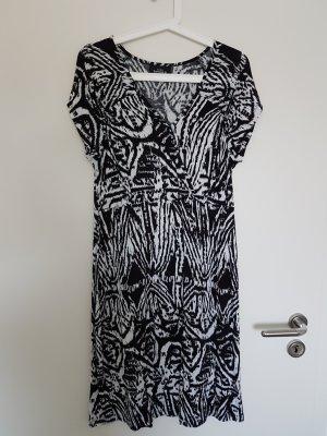 Schickes Kleid von Gina Benotti Gr. 40/42