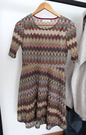 Schickes Kleid von Glamorous by Asos