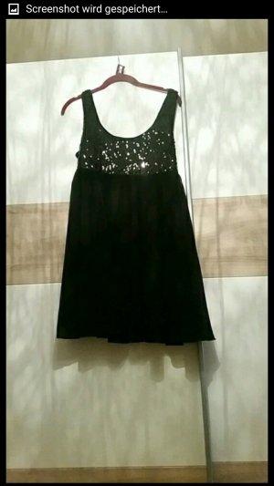 schickes Kleidchen mit Glitzer
