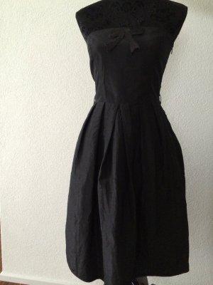 Schickes knielanges Kleid