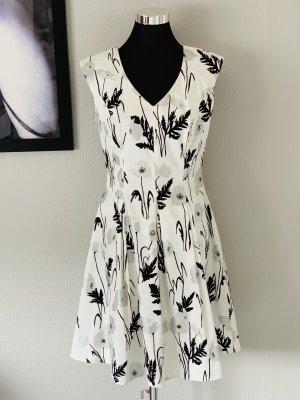 Schickes, knielanges Kleid Gr. 40